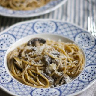 Creamy2Bgarlic2Bmushroom2Bspaghetti
